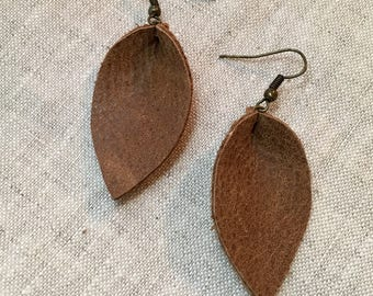 Recycled Leather Leaf Earrings - Soft Brown