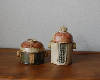 Vintage Japan Stoneware King and Queen covered small jars containers