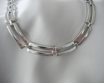 """Monet Link Chain Necklace, Curved, Open Rectangles, Silver tone, Bright silver, 16"""" length, 1980s, Choker style"""