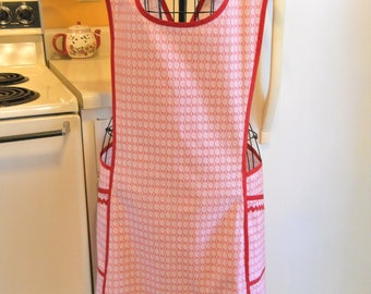 Old Fashioned Full apron with a Crossover Back in Red XXL