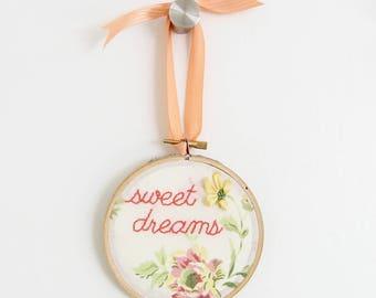 Sweet dreams door hanger, bedroom sign, hanging door sign, baby's room decor, embroidered sign, baby shower gift, wall hanging