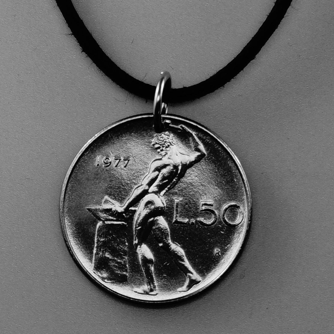 Italy coin necklace italian nude pendant naked male zoom mozeypictures Image collections