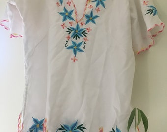 Vintage Mexican embroidered blouse Medium