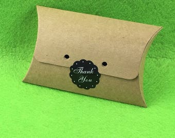 50pcs/lot Kraft Paper Pillow Box 12.5*8.2.5cm With free stickers Blank Display Gift Package Boxes Carry Case Accept Custom Logo