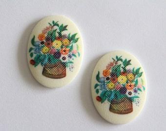 Vintage cross stitch style floral oval cabochons . 40x30mm (2)