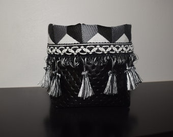 Basket with PomPoms black and white