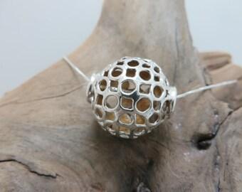 Spherical pendant in sterling silver