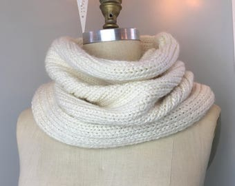 Chunky Rib Knit Snood Scarf