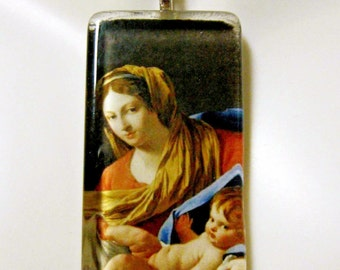 Madonna and child pendant with chain - GP01-032