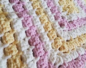 Knit Blanket ~ Chunky Knit Blanket ~ Chunky Blanket ~ Chunky Yarn ~ Baby Gift ~ Crochet Blanket ~ Baby Quilt ~ Baby Girl Gift, Newborn Gift