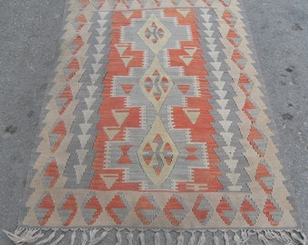 kilim rug free shipping VINTAGE TURKİSH kayseri kilim Anatolian handwoven kilim rug decorative kilim - SİZE : 44'' X 68'' ( 110 cm X 170 cm)