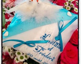 coussin alliances thème colombes en turquoise et blanc avec strass / porte alliances mariage, coussin mariage avec dove strass, coeur