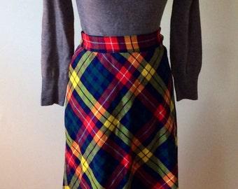 Vintage 1970s plais skirt/ pencil skirt/ wool skirt