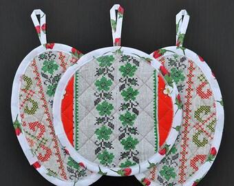 Pot holder set, Fabric potholders, Quilted pot holders, Kitchen pot holders, Quilted hot pads, Handmade potholders, Patchwork potholders