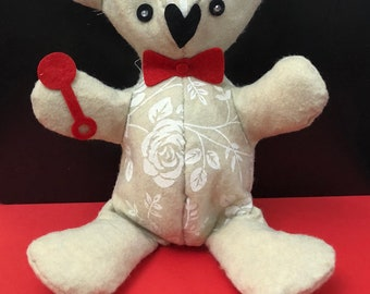 Teddy bear made entirely by hand. Customizable Plush