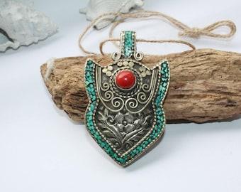 Chain pendant, Moroccan chain pendant, amulet, old pendant, handmade, 70 mm x 45 mm