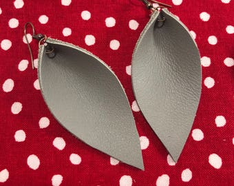Leather Leaf Earrings: Grey