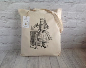 Alice In Wonderland Tote Bag / Shopping Bag / Eco Tote Bag / Grocery bag / Reusable bag / Book Lover bag / Birthday Gift / Mother's Day Gift