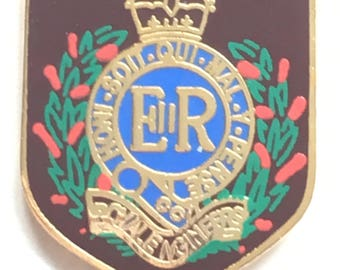 Royal Engineers Private of The British Army Military Enamel Lapel Pin Badge