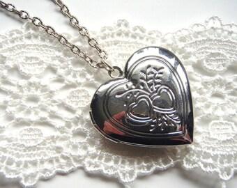 Silver Heart Locket Necklace, Heart Locket, Etched Heart Locket, Silver Necklace, Valentines Day Gift, Mothers Day Gift, Photo Locket