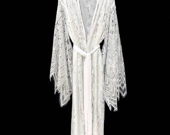 Brides lace robe, bridal robe, lace kimono, getting ready robe, lace kimono robe, wedding day robe, lace brides robe, lace brides kimono