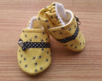 Baby Bee,Bee Baby shoes, Yellow Bee fabric,Summer theme baby,Baby shower gift