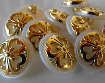 "15 White with Gold Clover Round Shank Buttons Size 11/16""."