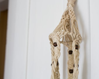 Vintage White Plant Holder - Macrame Plant Hanger Holder Wall Hanging Vintage Macrame