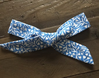 Schoolgirl bow- Blue tulips- Medium