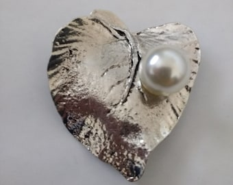 Gorgeous Large Leaf Brooch/Pendant with Pearl...