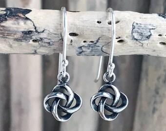 Silver Celtic Knot Earrings, Silver Celtic Trinity Dangle Earrings,Irish Knot Earrings with Sterling silver ear wires PEN141