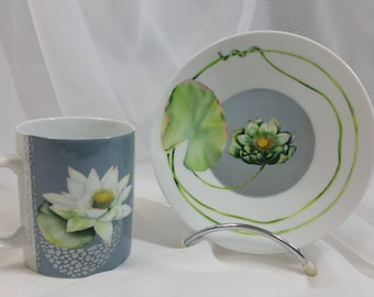 """mug and saucer in Limoges porcelain hand painted """"waterlily"""""""