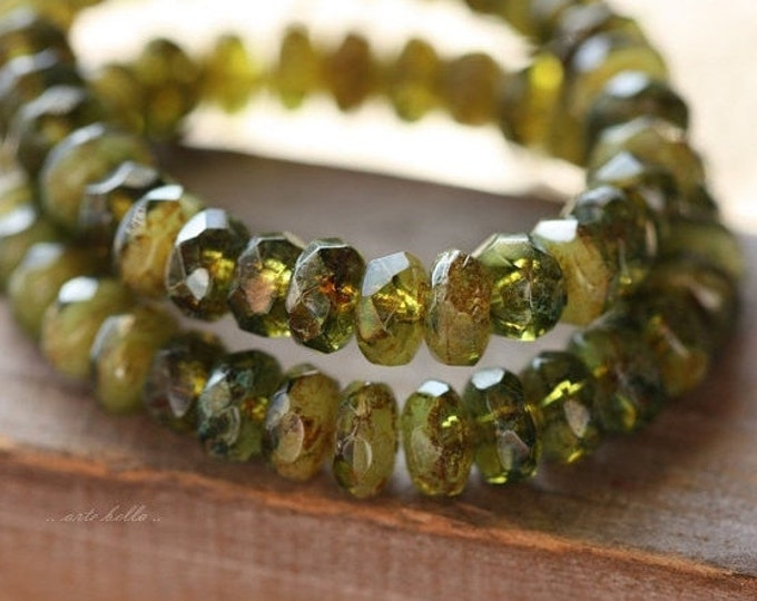 GRANNY SMITH BITS .. 30 Premium Picasso Czech Rondelle Glass Beads 3x5mm (4476-st)