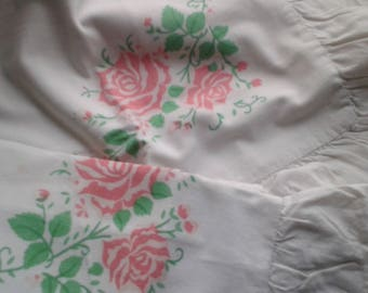 Pair of Vintage Pillowcases Decorated with Pink Roses