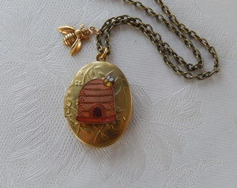 Beehive Locket, Bee Jewelry,  Working Locket, Gift for Her