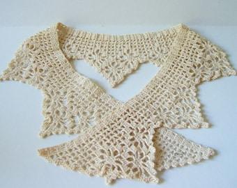 Crocheted Collar in Ecru
