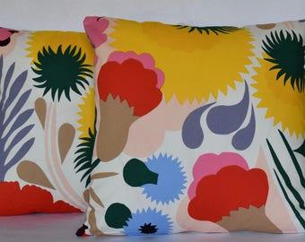 "Marimekko Pillow Cover, Handmade, Pattern ""Ojakellukka"" 18""x18"" (45x45cm)"