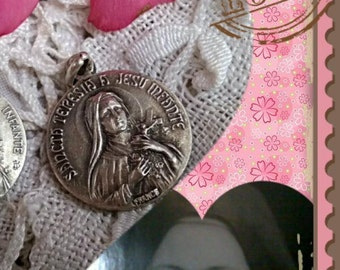 Saint Terese Antique French Medal Latin  Rain of roses from Heaven #sophieladydeparis