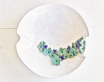 Ceramic fruit bowl, flower bowl, clay bowl, blue flowers, handmade bowl, white ceramic bowl, decorative bowl, pottery gift, deco pottery