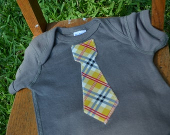 Baby Boy Onesie with Tie Little Man Tie for Fsther's Day - Slate Gray Onesie and Plaid Tie -  Photo Prop - Summer - Birthday Outfit