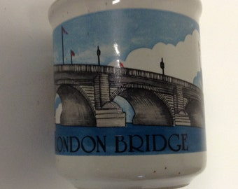 Vintage souvenir London Bridge Mug