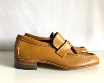 Vintage Shoes Men's 70's Tan, Leather Loafers by Sears Shoe Palace (Size 8 1/2)