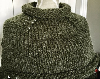 Outlander Inspired Knit caplet in Green Alpaca Blend Yarn