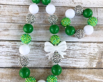 Green White Silver Chunky Bubblegum St Patrick's Day Toddler Necklace with White Bow Charm, Saint Patrick's Day Baby Necklace, Kids Jewelry