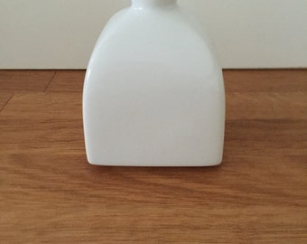 KPM vase, cube shape, design Trude Petri, Zeptermarke