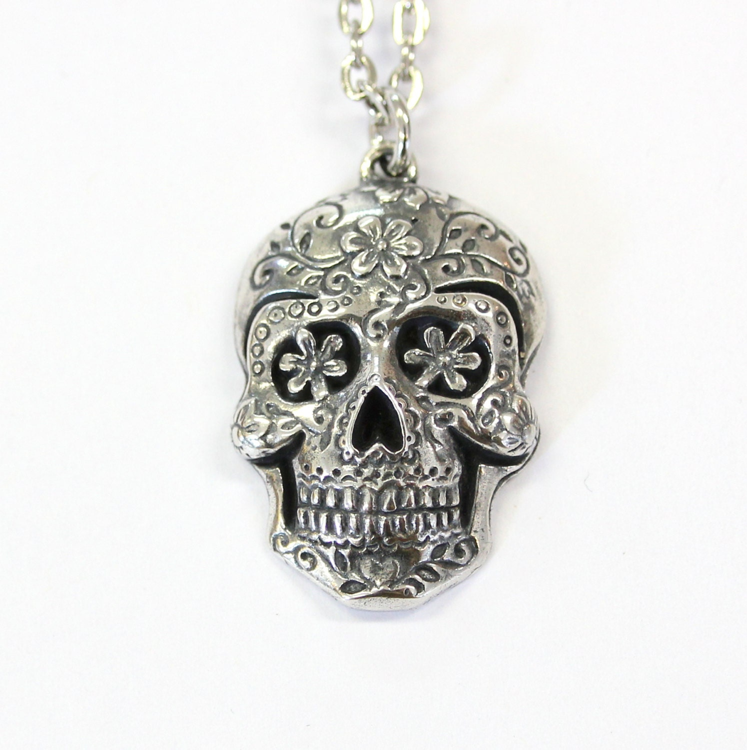 sugar image necklace heart pendant skull eyes controse