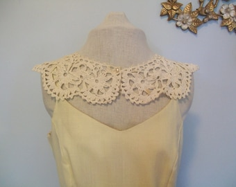 48 HOUR SALE 40% off-SALe Vintage Crochet Peter Pan Collar