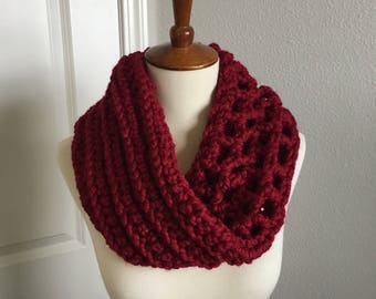 Wool Twisted Cowl (Cranberry Red)