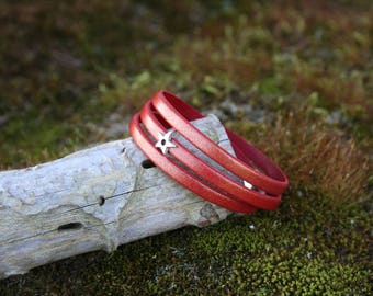 Women bracelet leather 5 mm - 3 turns/star - gold metallic red - magnetic clasp