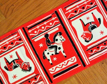 Swedish vintage 1950s printed cotton design tabelcloth runner in white/ red/ black with Dala horses motives on red bottomcolor.